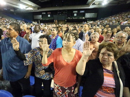 immigrants become Americans at El Paso citizenship ceremony-Main.jpg