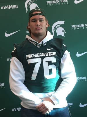 Novi Detroit Catholic Central senior Blake Bueter, an offensive/defensive lineman from Howell, accepted a preferred walk-on spot with Michigan State's 2017 football recruiting class.