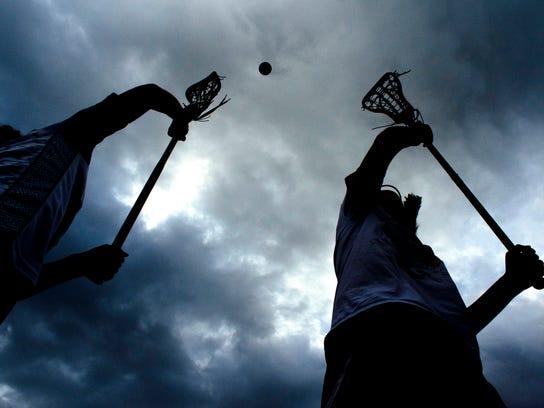 -BUR 0531 lacrosse draws_4.jpg_20150528.jpg