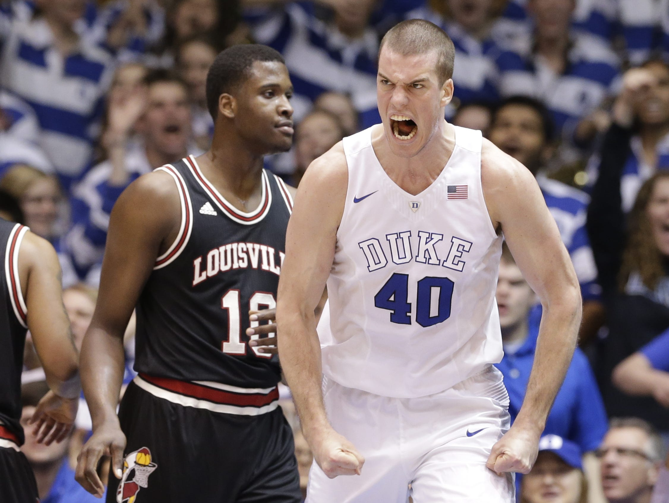 Christ School graduate Marshall Plumlee has signed a three-year contract with the New York Knicks.