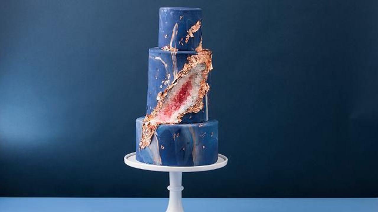 Geode Wedding Cake.Geode Wedding Cakes