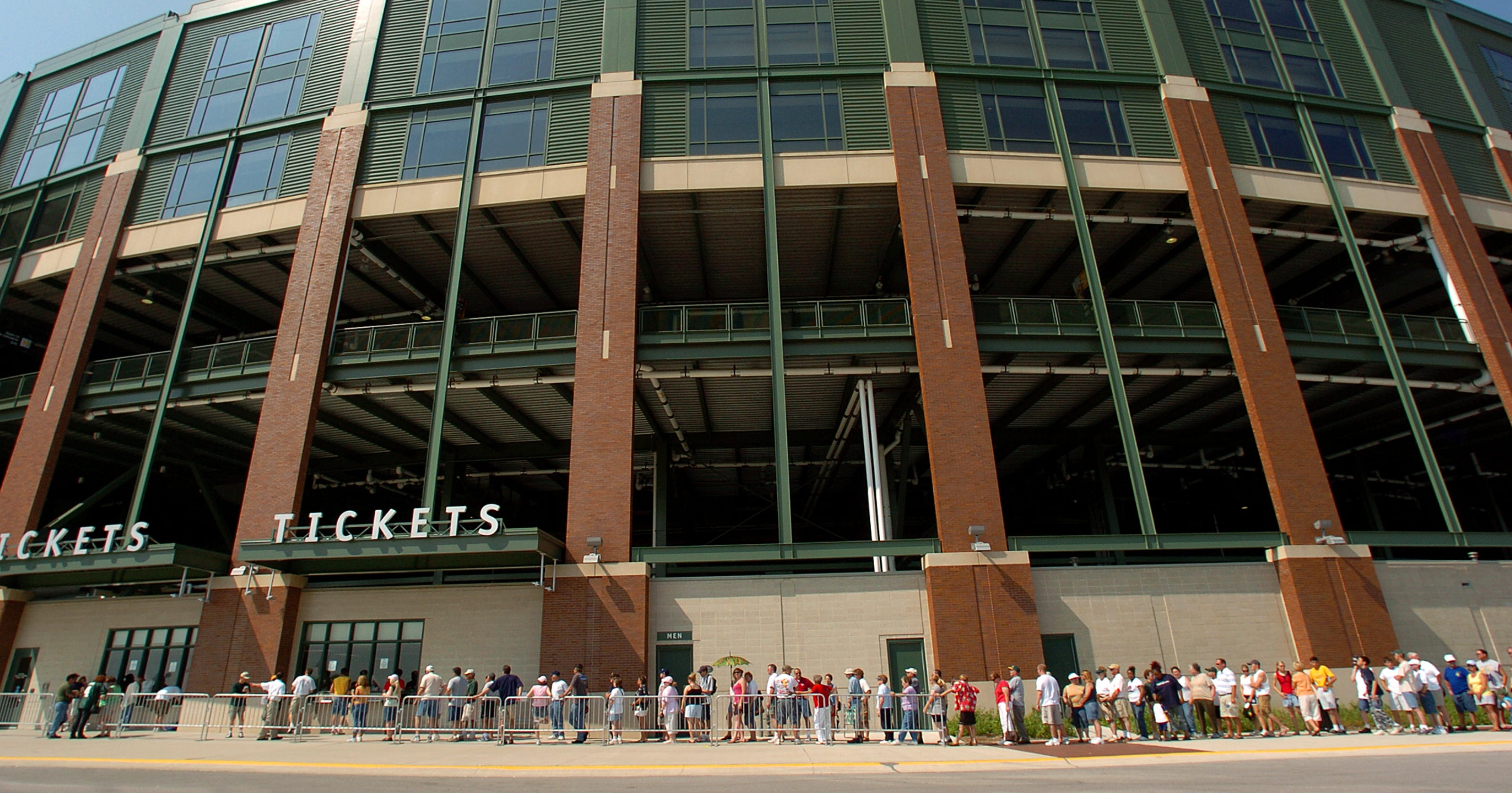 4c83beee Lambeau Field sales tax to end in 6 months