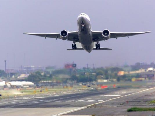 635955427129924514-airport2.jpg