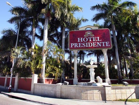 XXX AP101228125445 co hotel