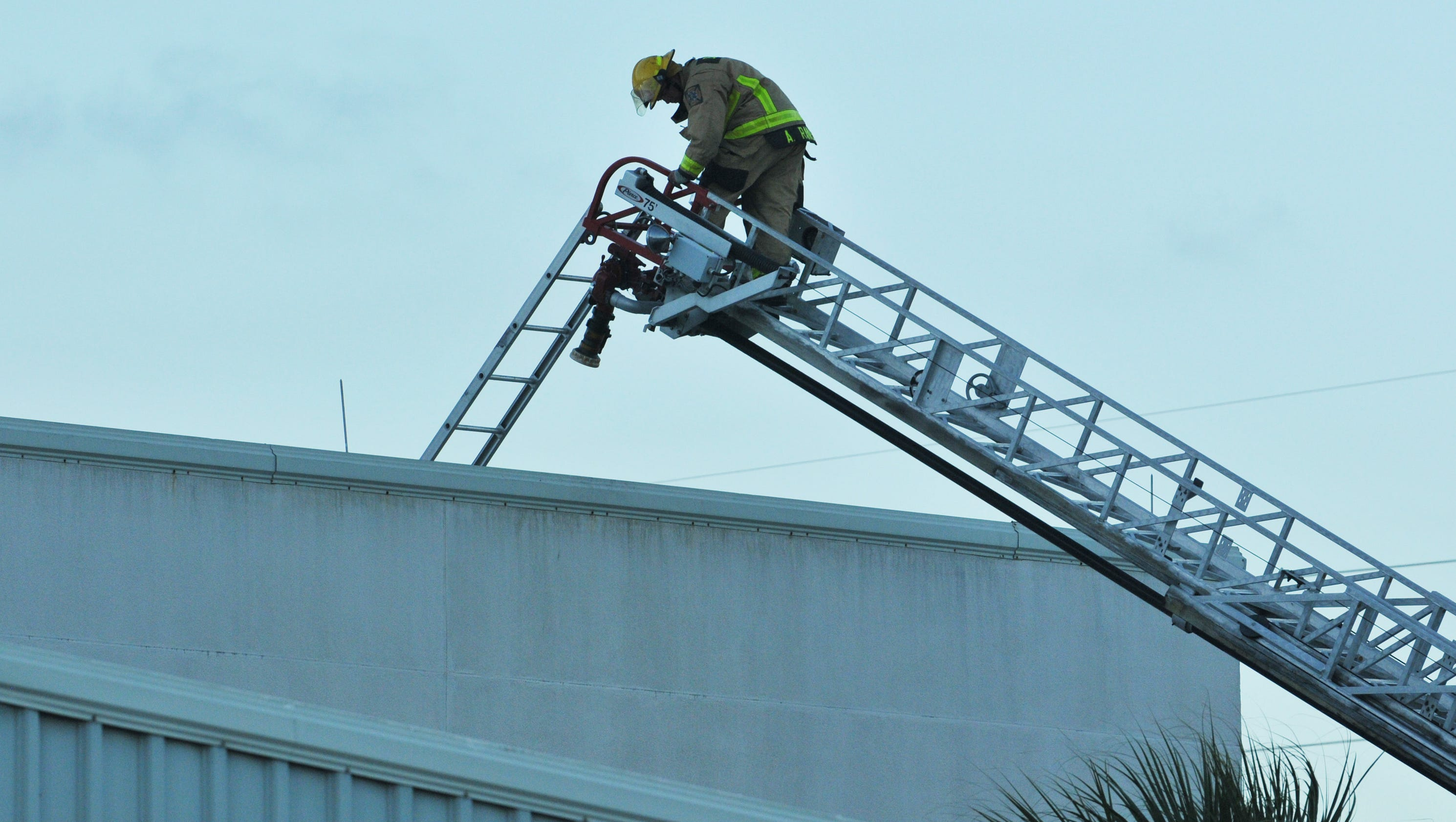 Photos Small Roof Fire At A Spacex Building At Port Canaveral