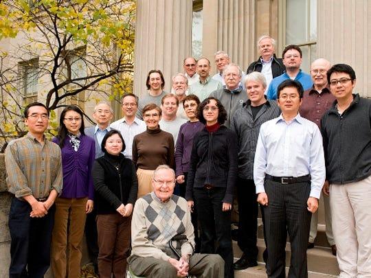 faculty-2011(2).jpg
