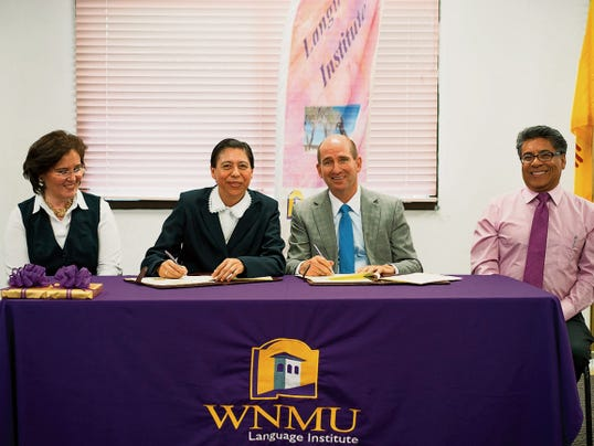 Western New Mexico University has signed an agreement to start offering summer classes for Mexican high school students. Signing the agreement were, from left, Guadalupe Rivera Lopez and Maria Guadalupe Nunez Marquez; both of Colegio Sor Juana Ines de la Cruz; Joseph Shepard, WNMU President; Magdaleno Manzanarez, WNMU Vice President of External Affairs. Courtesy Photo
