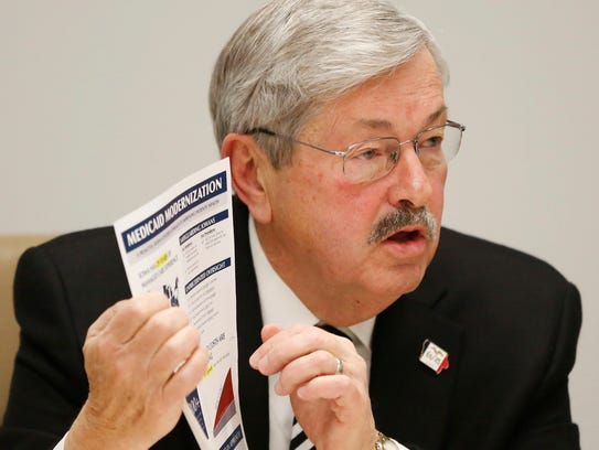 Gov. Terry Branstad answers questions from The Des