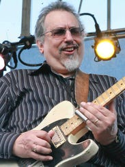 David Bromberg performs at Bromberg's Big Noise in