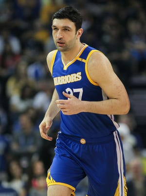 Zaza Pachulia during the first quarter against the Washington Wizards at Oracle Arena.