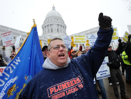 OSHBrd_12-30-2012_Northwestern_1_A004~~2012~12~29~IMG_Protest_1_1_DJ32EC28~I.jpg