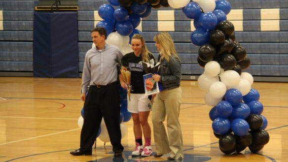 brockport senior night IMG_4649-580x386
