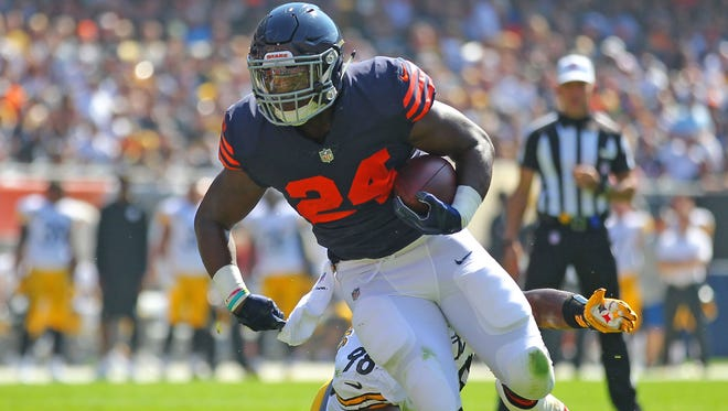 Bears running back Jordan Howard had been dealing with a sore shoulder, but he ran for 138 yards and two touchdowns on Sunday.