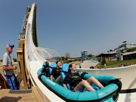 AP WORLDS TALLEST WATERSLIDE A FEA SPF USA KS