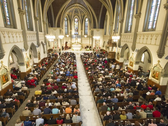 Roman Catholics, once a church of European immigrants, are now sustaining their place in Indiana with a wave of new immigrants from Latin America.