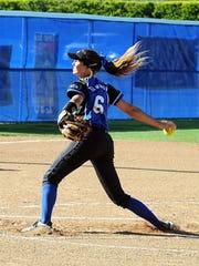 Emily Deramus pitching