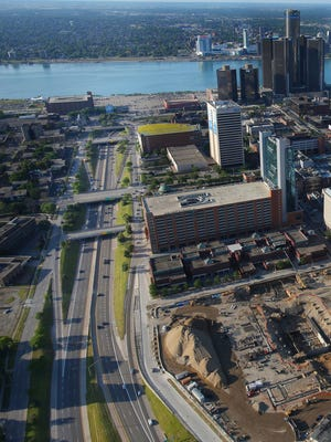 The Michigan Department of Transportation is moving ahead with plans to rip out Detroit's I-375 expressway and restore a surface street there.
