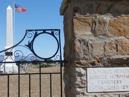 old-fort-stanton-cemetery-entrance.JPG