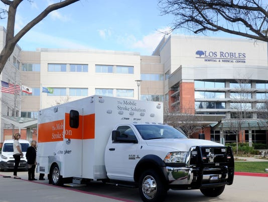 Hospital-Los-Robles.JPG