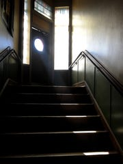 The entry stairwell to Melrose Billiards, which is