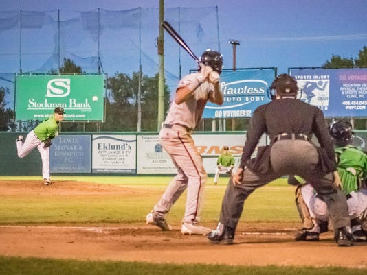 -voyagers v. billings-riley wood.jpg_20160909.jpg