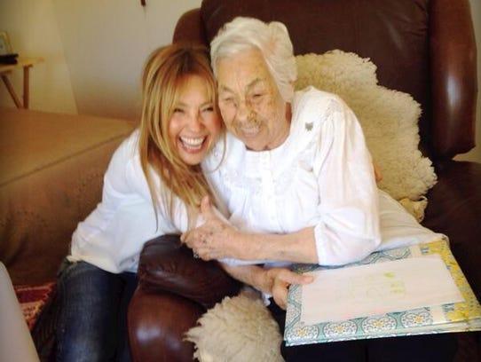 La última vez que Thalía estuvo al lado de su abuela