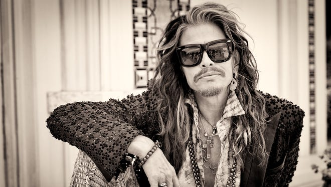 Aerosmith frontman Steven Tyler, who's making a country album for Nashville-based Dot Records, picks a few of his favorite country records for USA TODAY.