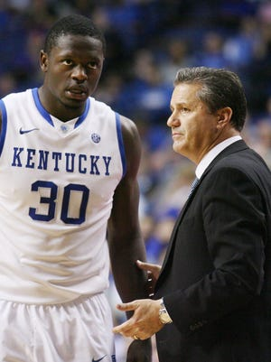John Calipari, Julius Randle and Kentucky face state rival and fourth-ranked Louisville on Saturday.