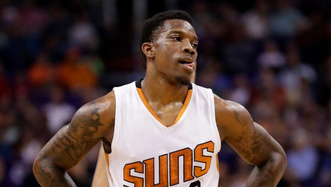 Phoenix Suns guard Eric Bledsoe (2) watches a free throw during the first half of the team's NBA basketball game against the Milwaukee Bucks, Saturday, Feb. 4, 2017, in Phoenix.