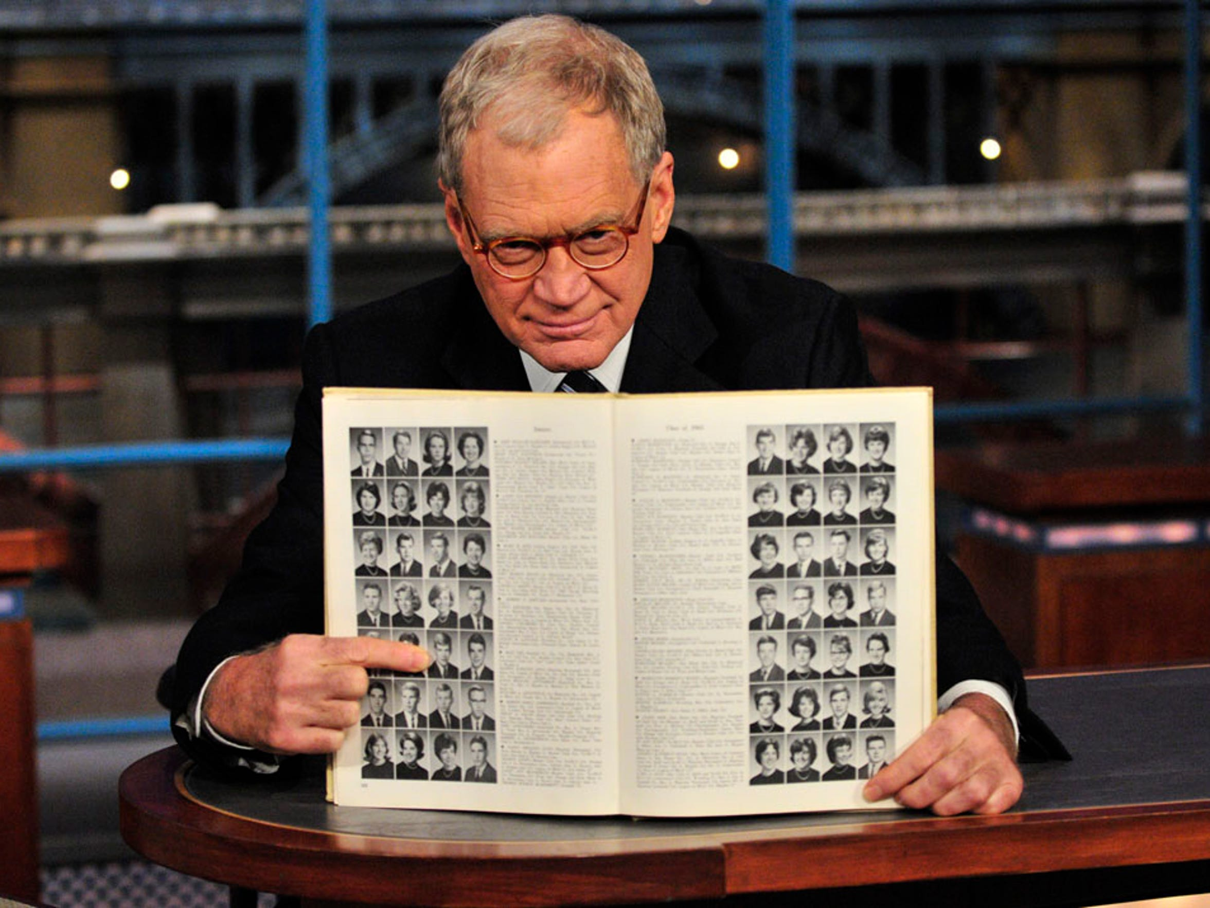 David Letterman points to his Broad Ripple High School