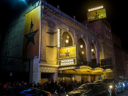 Crowds line up outside the Richard Rodgers Theatre