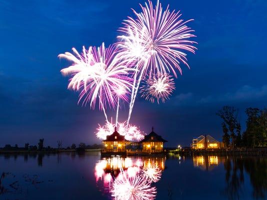 636657000243368458-SummerFest-Fireworks.jpg