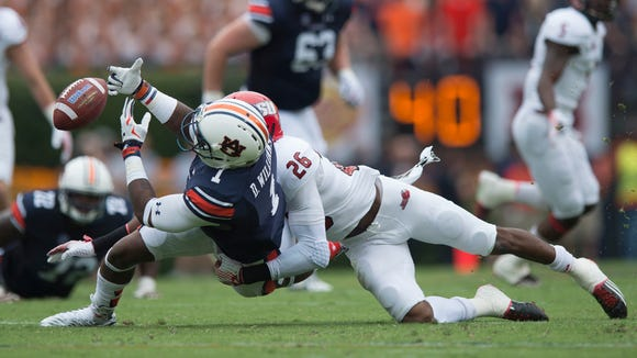 Auburn Tigers wide receiver D'haquille Williams (1)