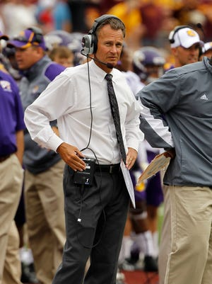 A year ago, USD coach Bob Nielson was guiding Western Illinois, this week's Coyote opponent.