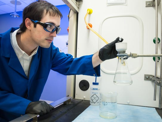 ORNL's Charles Seipp synthesized a simple compound