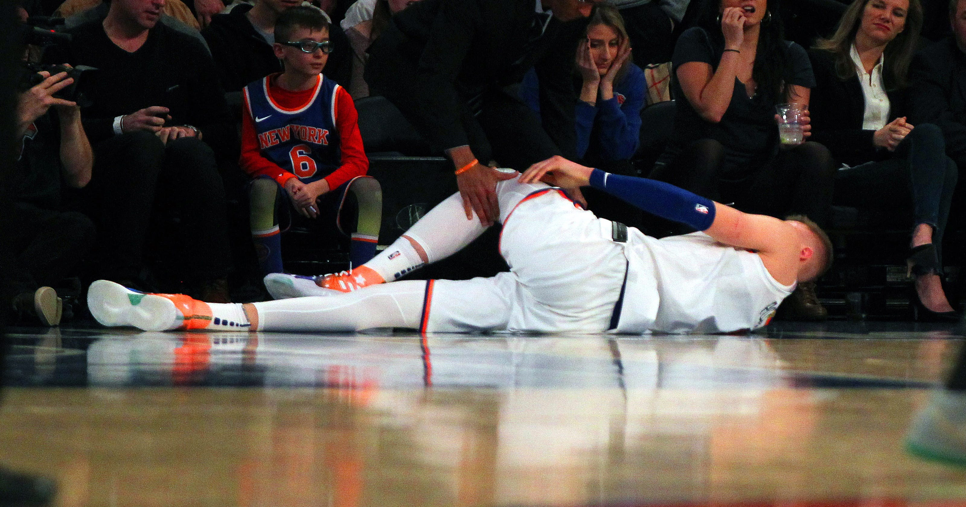 b20851d2156e Kristaps Porzingis suffers torn ACL in Knicks  loss
