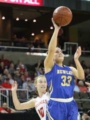 Newport Central Catholic's Lexy Breen shoots the ball