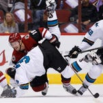 Smith makes 43 saves, Coyotes nip Sharks 3-2 in OT