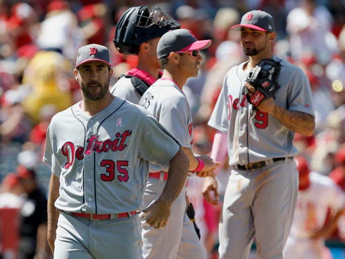 Detroit Tigers starting pitcher Justin Verlander, left,