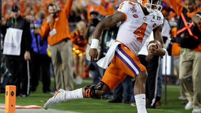 Clemson's Deshaun Watson runs for a touchdown against Alabama on Monday in Tampa, Fla.