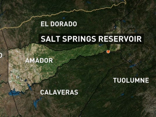 Capsized boat leads to search for missing man at Salt Springs Reservoir