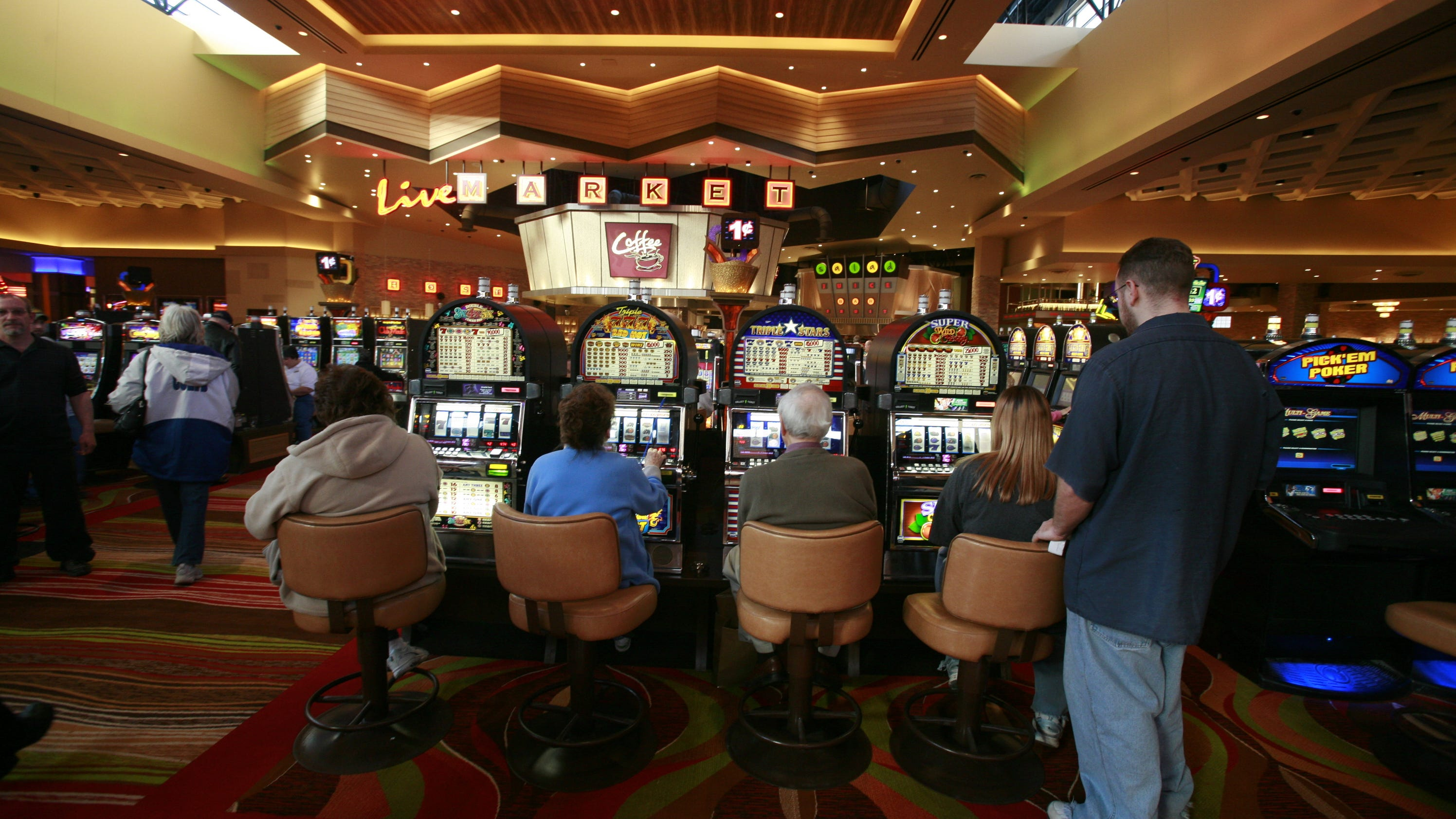 indiana casinos want wagering  admission taxes cut