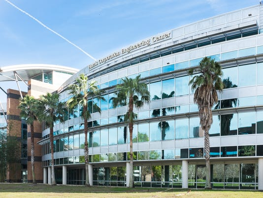 635662840620463093-UCF-Buildings-Harrison-Corporation-Engineering-Building-front