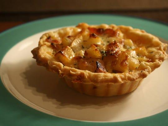 Woodpecker Pie will open a kitchen in West Asheville's Mothlight.