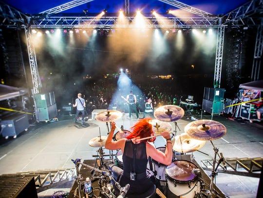 Skillet drummer Jen Ledger performing at the 2015 Halfway