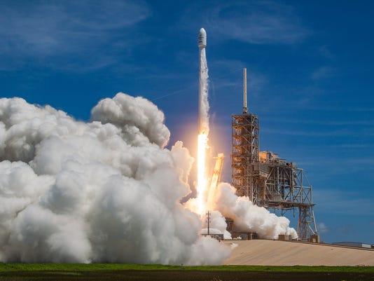 636340100784813382-bulgariasat-1-launch.jpg