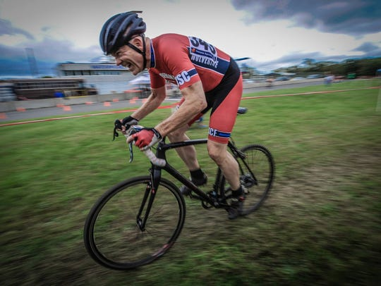 Tim Faas handles his bike with precision during a cyclocross