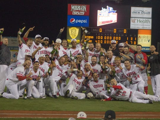 The Florence Freedom celebrate their divisional title in 2017.