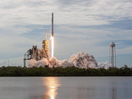 636475611895913772-spx-crs11-launch.jpg