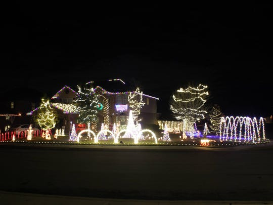 The Hinojosa Family Christmas lights in Boerne, TX are sequenced to Selena's hit 'Bidi Bidi Bom Bom' Dec. 2017.
